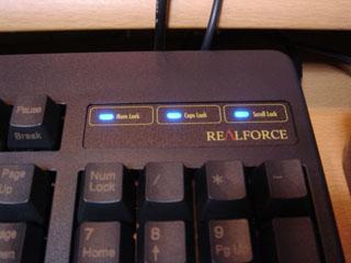Realforce 106 USB のインジケータとロゴ